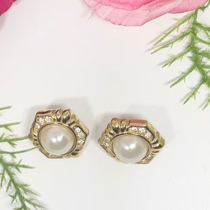 Vintage Jewelry - ⚜️VINTAGE Faux Pearl & Rhinestones Ornate Earrings